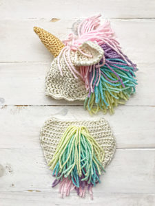 free-crochet-pattern-unicorn-hat-and-diaper-cover-225x300.jpg