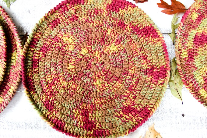 Autumn-Placemats-Free-Crochet-Pattern-6.jpg