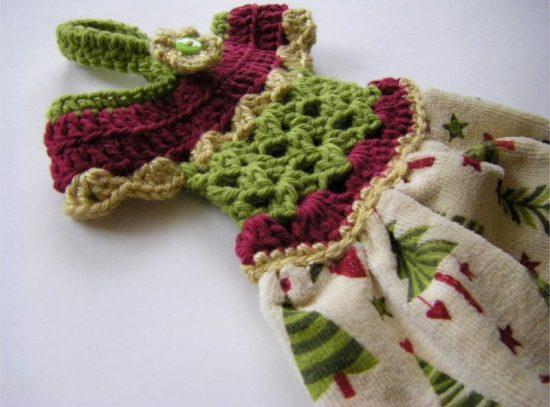 Crochet-Dress-Towel-Topper-Pattern-1-2-550x407.jpg